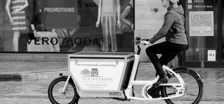 Ondernemers rijden rond met bakfietsen
